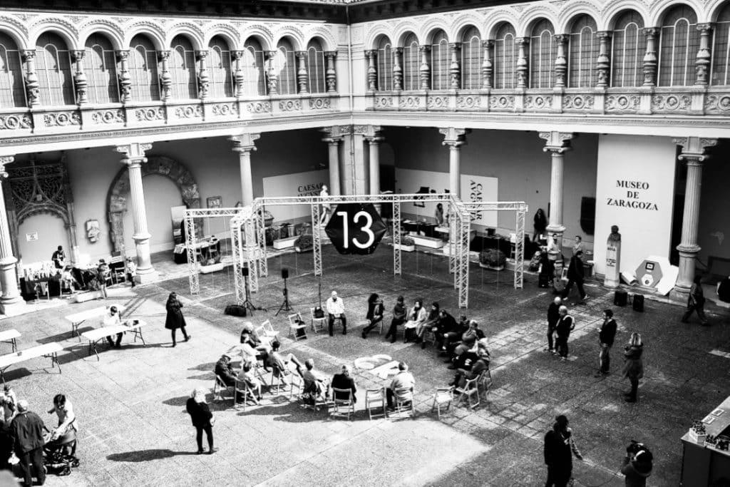 MESA HEXAGONAL #cuarto13